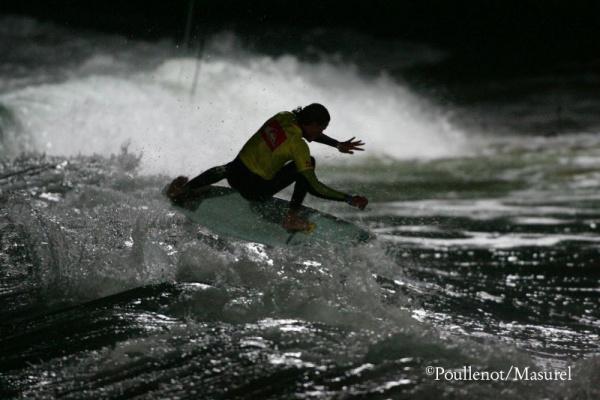 Surfer la nuit
